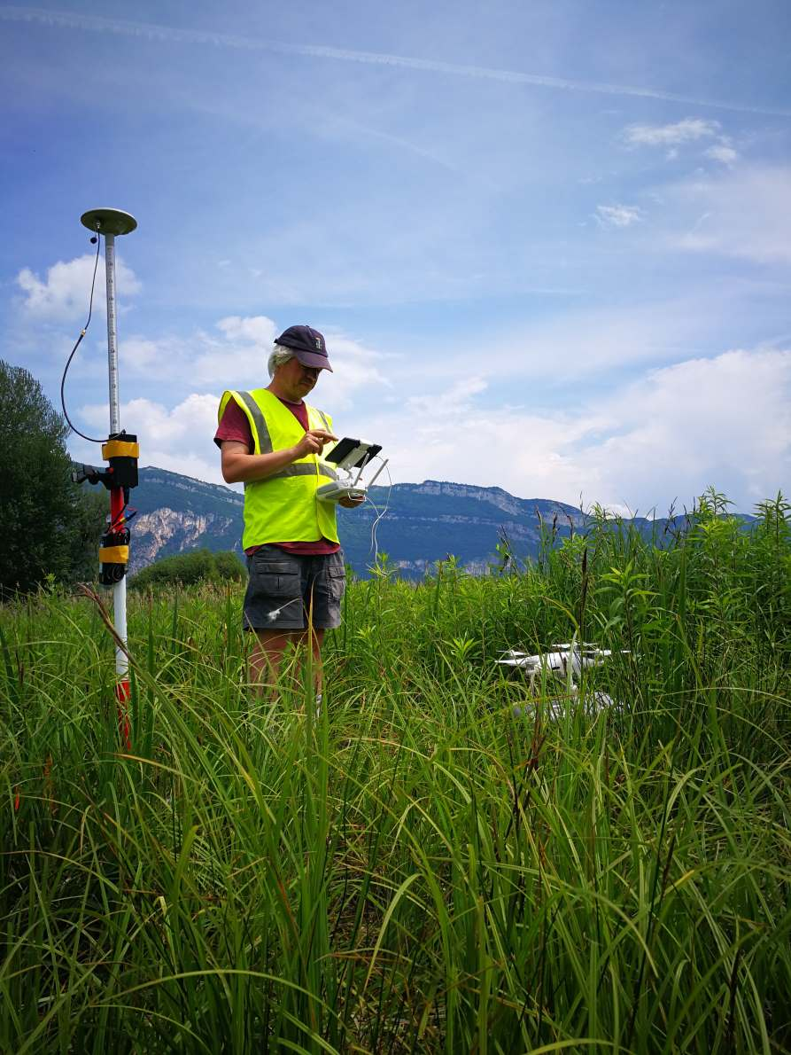 latitude-drone-roselieres-lac-bourget